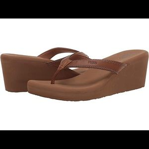 NWT Flojo's Wedge Platform Sandals